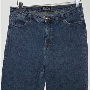 NYDJeans blue jeans size 16P.
